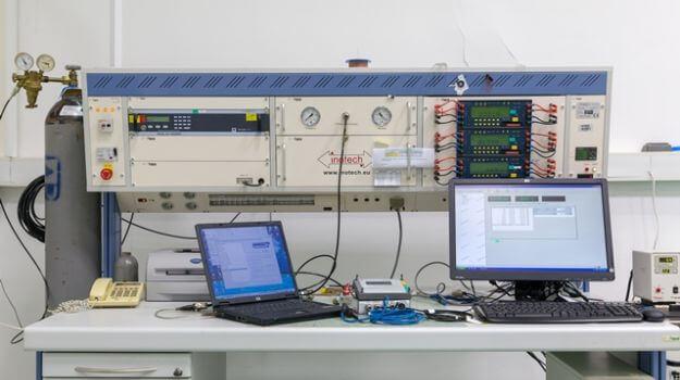 Merilna linija za kontrolo korektorjev volumna.